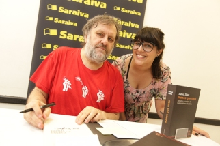 Tarde de autógrafos com Slavoj Zizej
