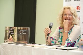 Noite de autógrafos com Lucinda Riley